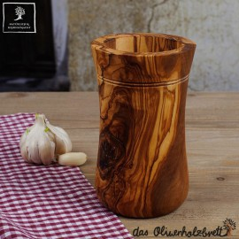 Köcher , taillierte Form aus Olivenholz