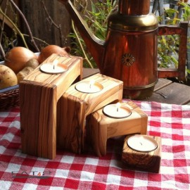 Moderner Teelichthalter aus Olivenholz