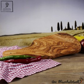 typical cutting board mediterranean style